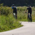 Cyklister i full fart-kvardrat